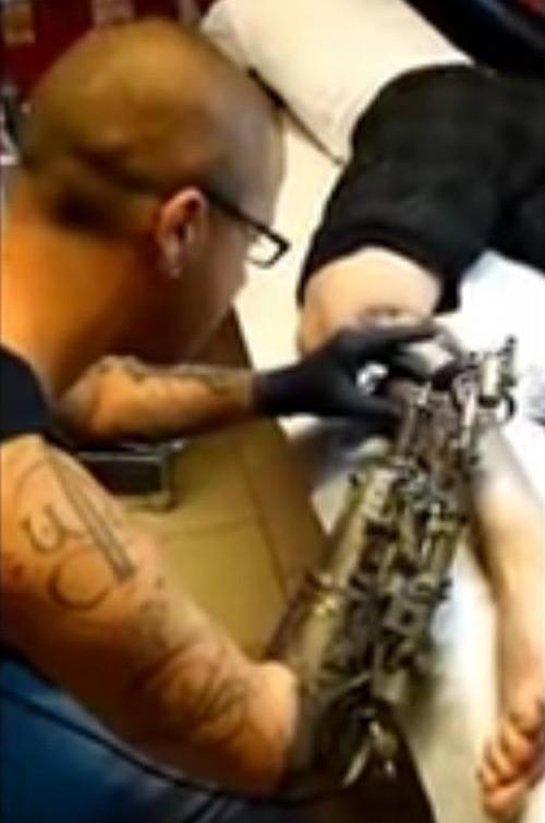 16062016-tattoo1