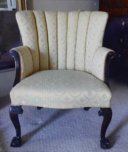 01082016-chair