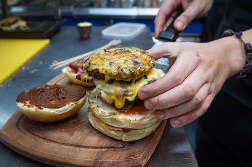 10082016-hotburger3