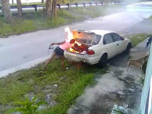 07092016-torchedcar