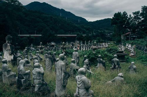 14092016-statues1