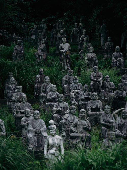 14092016-statues3