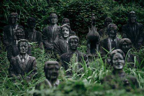 14092016-statues4