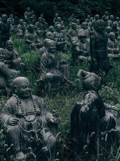 14092016-statues5
