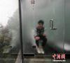 02102016-glassbathrooms-s