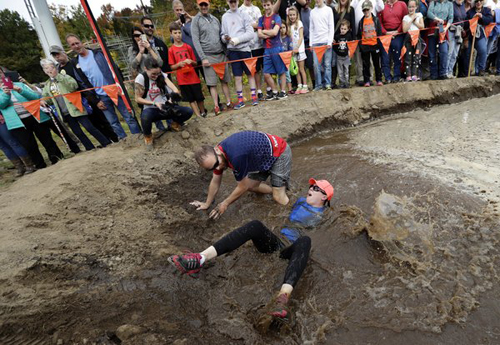 11102016-wifecarrying1