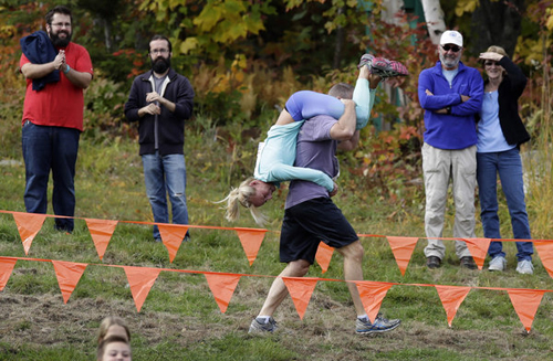 11102016-wifecarrying3