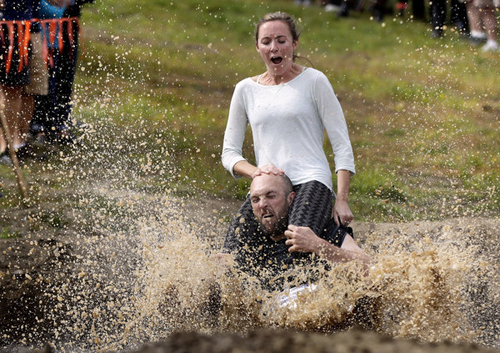 11102016-wifecarrying4