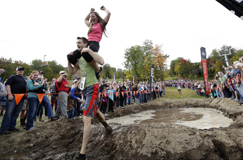 11102016-wifecarrying5