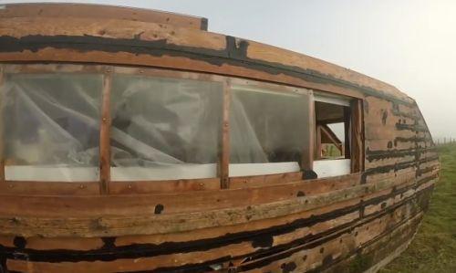 16112016-houseboat1