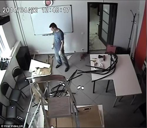 22112016-workman2