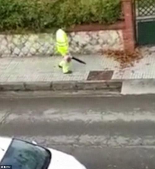 04122016-streetcleaner