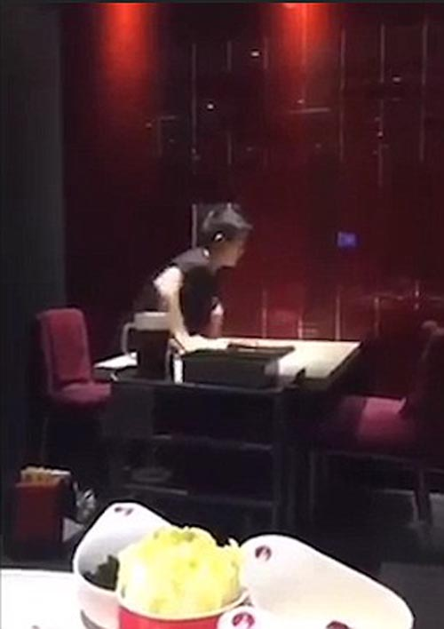 очень быстрый официант