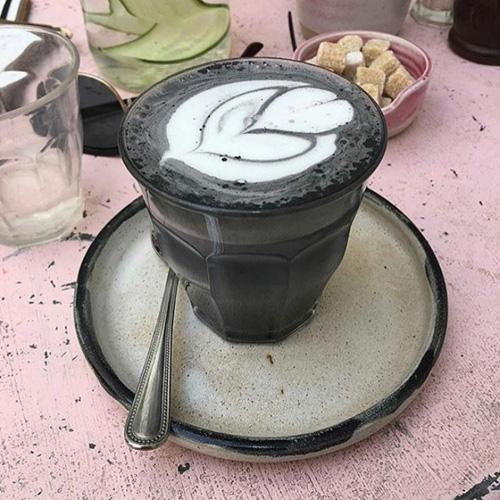 кофе чёрного цвета