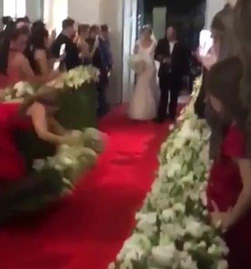 подружка невесты упала на свадьбе