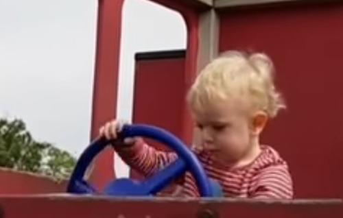 малыш научился ругаться
