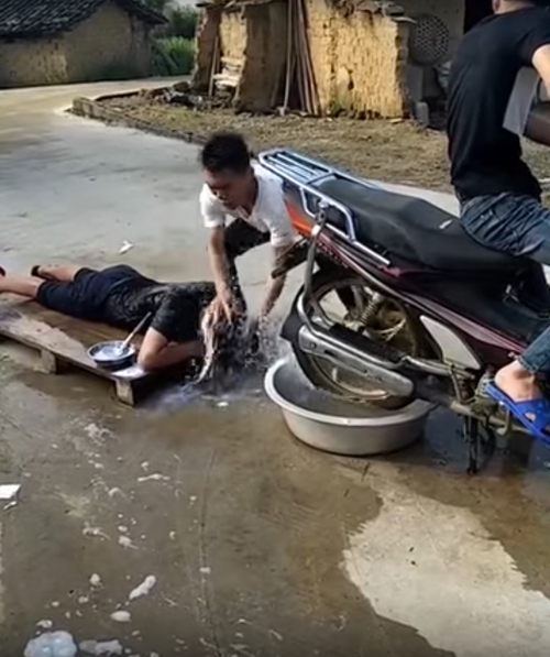 мотоцикл для мытья и сушки волос