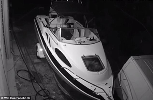 любовное гнёздышко в лодке