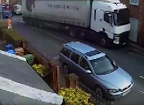 опасная ситуация с грузовиком