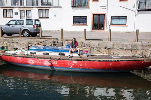 яхта затонула через 5 минут