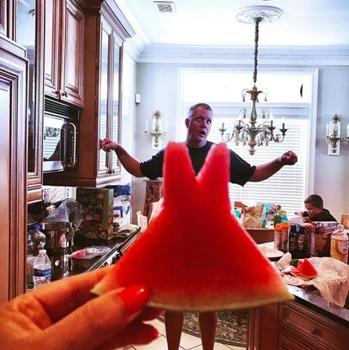 фото с арбузными платьями