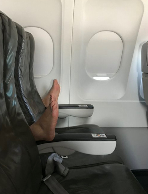ноги испортили авиаперелёт