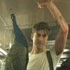 подозрительный павлин в метро