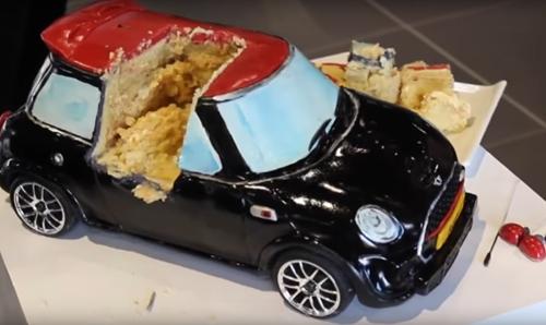 торт-машина может ездить
