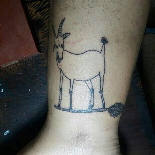 нарочито уродливые татуировки