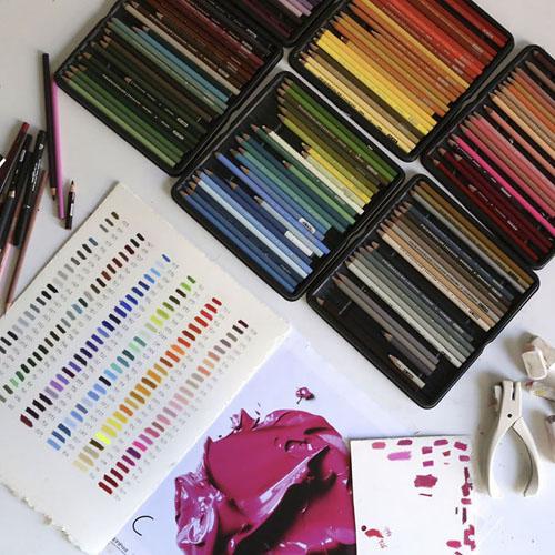 краска нарисована карандашами