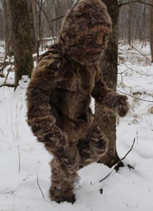 шаман в звериных шкурах