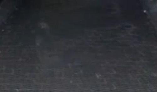 призрак на старом кладбище