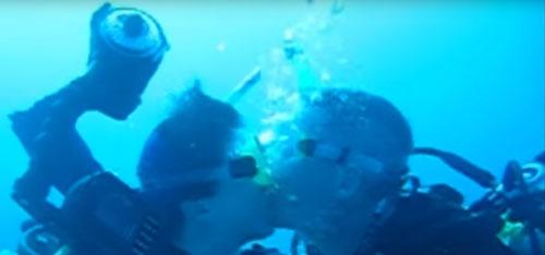 удивительная подводная свадьба