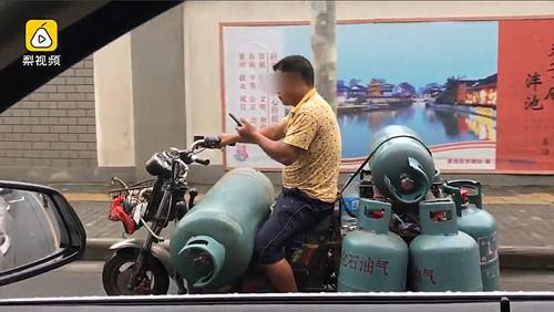газовые баллоны на мотоцикле