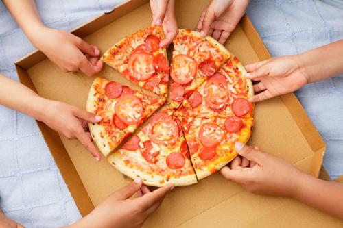 зловещая реклама пиццы