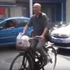 дедушка катает жену