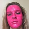 лицо в розовой краске