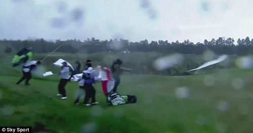 матч прервали из-за ветра