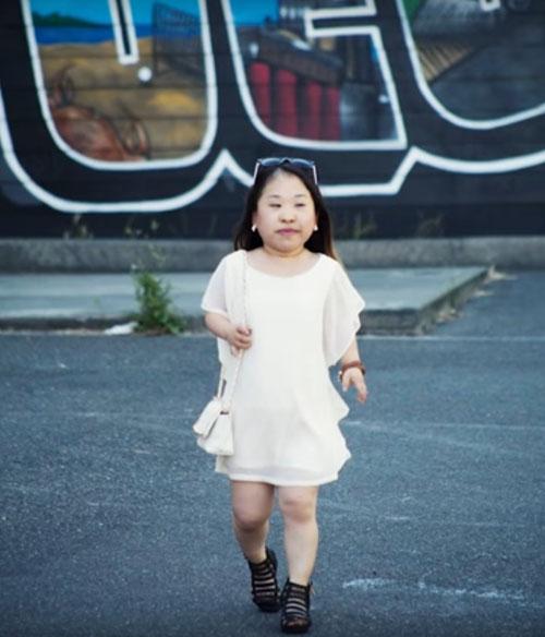 модная блоггерша маленького роста