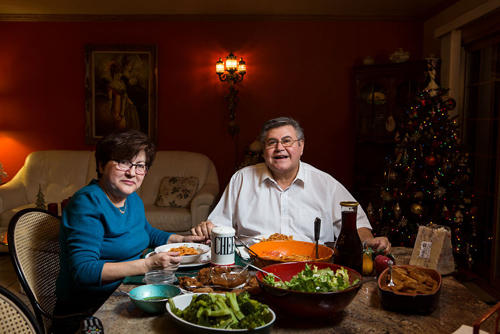 обычный ужин в разных семьях