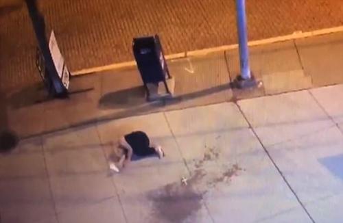 фото с жертвой нападения