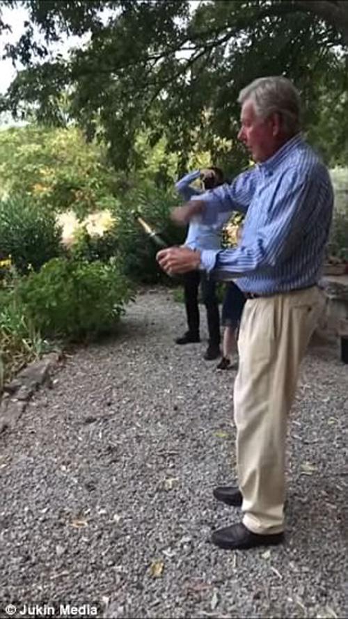 неудачный трюк с шампанским