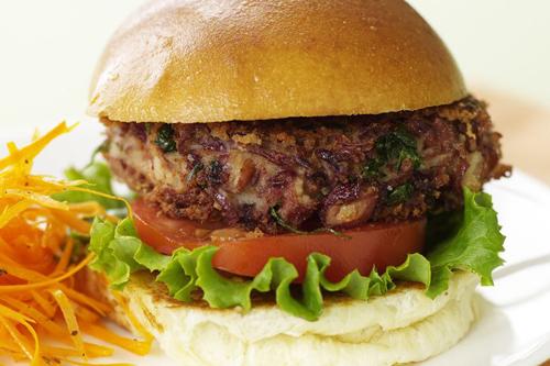 вегетарианский бобовый гамбургер