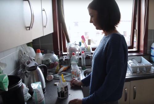 женщина с фобией на еду