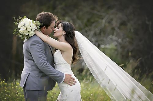 подружка невесты всех повеселила