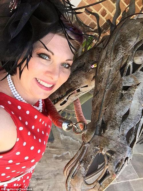 змеелов в гламурном платье
