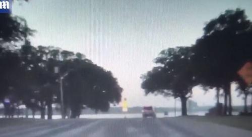 пьяный водитель въехал в озеро