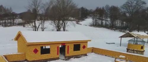 дом из кукурузных початков