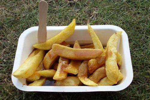 скандал из-за соуса в картошке