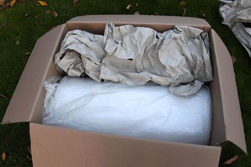 плёнку упаковали в бумагу
